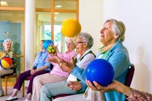 shutterstock_367740011 ouderen in beweging